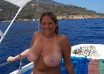 Topless en promenade bateau