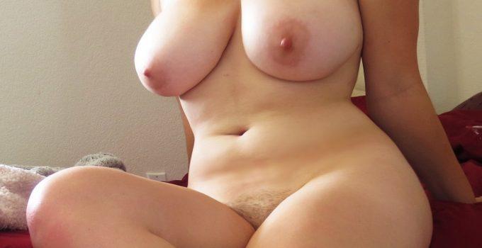 Femme ronde baisée